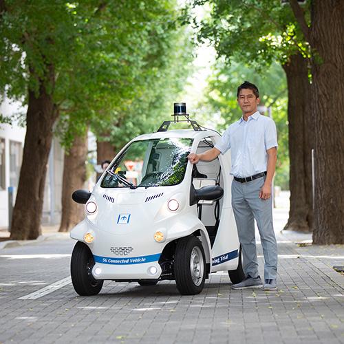 ソニーのWEBマガジン『B.』に阪口啓教授の取材記事「5Gがもたらす、超スマート社会の到来 ーネットワーキング技術から未来を描くー」が掲載されました。